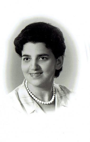 לוטי (שרלוטה) בצעירותה